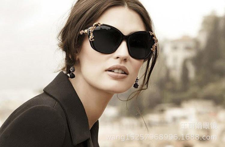 عینکSertino طرح گل